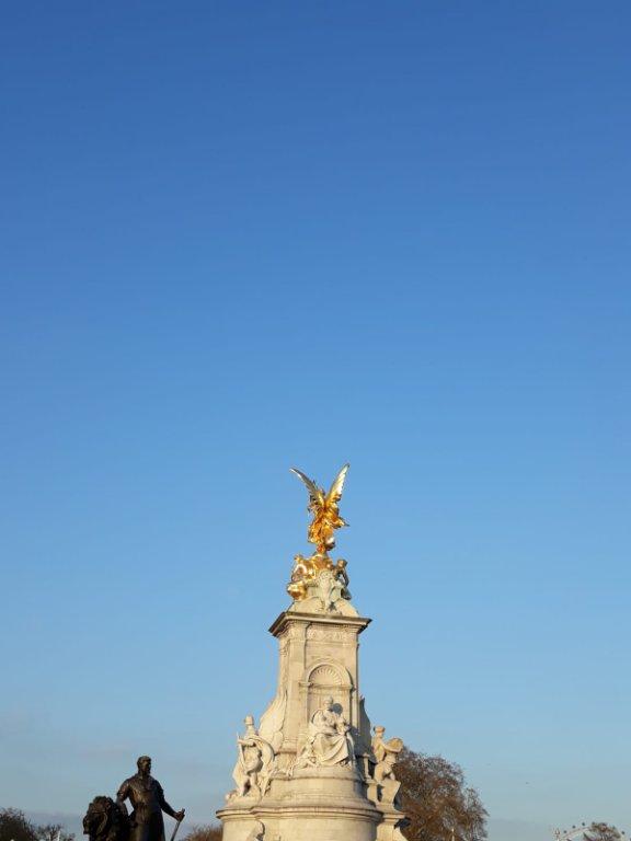 spomenik Albertu od žene